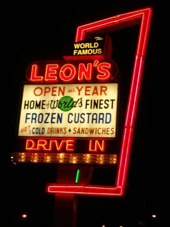 Leon's Frozen Custard Drive-in : Take a trip back to the 50's