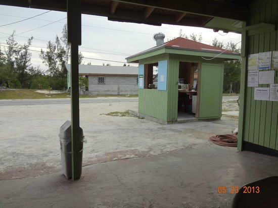 Yardie's Restaurant, Bar and Conch Stand : Yardies!