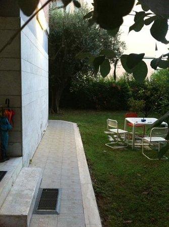 Il Giardino Casamari B&B: Il giardino esterno