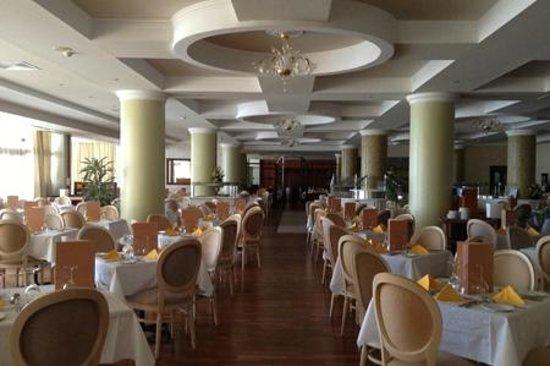 Atlantica Golden Beach Hotel: Inside Dining