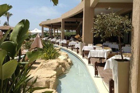 Atlantica Golden Beach Hotel: Outside Dining