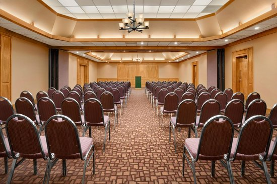 University Inn Austin North: Extended Meeting Space