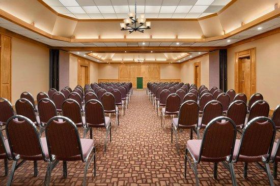 يونيفيرسيتي إن أوستين نورث: Extended Meeting Space