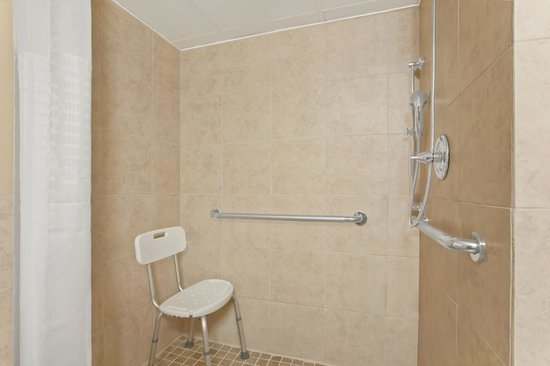 University Inn Austin North: ADA Accessible Shower
