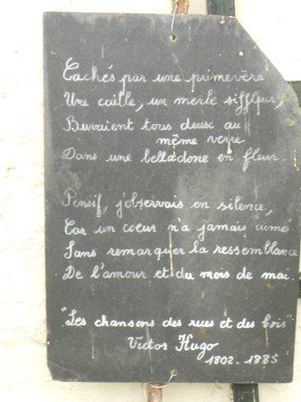 Chambre d' hôtes de charme Le Moulin Saint Nicol : Des fleurs et des poèmes...