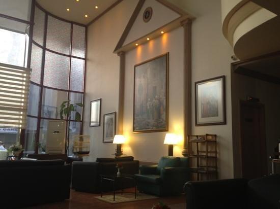Sergah Hotel: reception