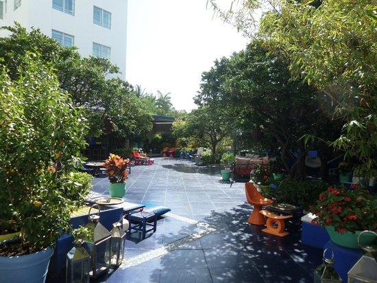 Shore Club South Beach Hotel: Hotel bar!