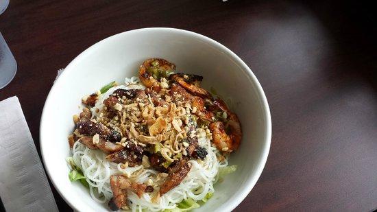 Yummy Pho: Noodle dish