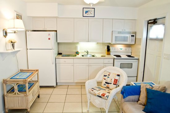 Five Palms Condominium Resort: 106 Kitchen