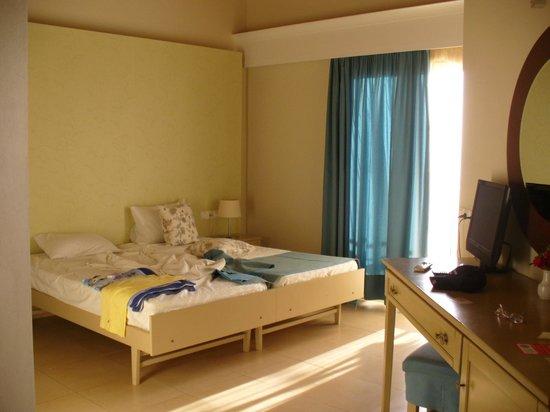 Sunrise Resort Hotel : room 324