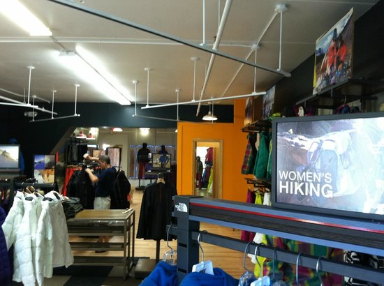 1829 Outfitters: Everything mountain.