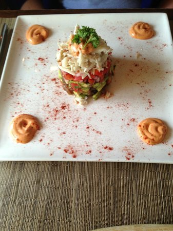 Settlers Inn: Crab and avacado appetizer (very yummy!)
