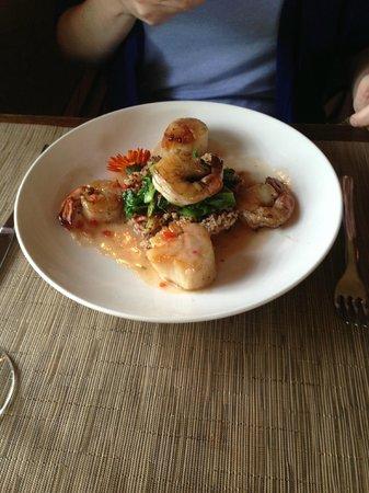 Settlers Inn: Scallop and Shrimp dinner