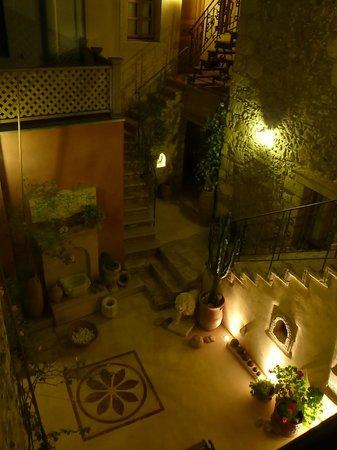 Casa dell' Aristea: Innenhof bei Nacht