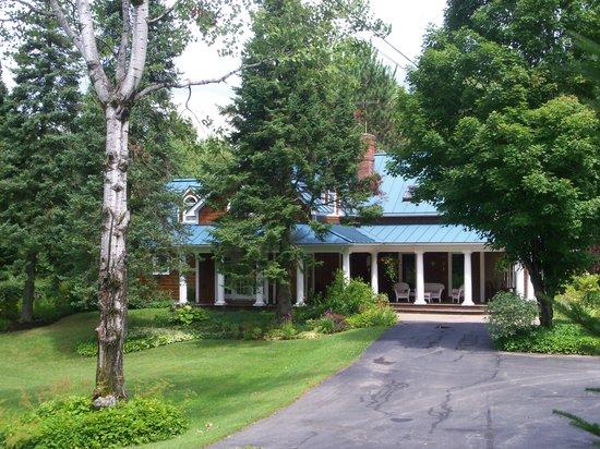 Lake Salem Inn Bed and Breakfast: getlstd_property_photo