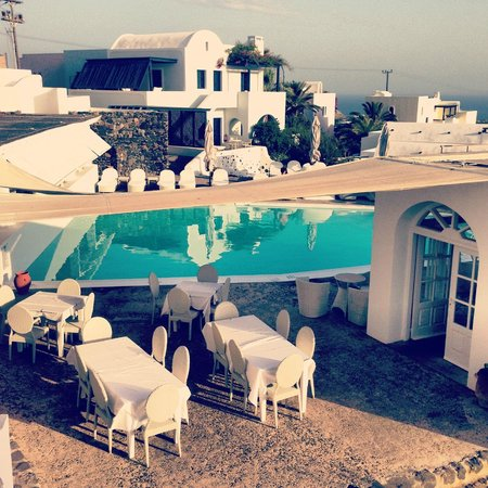 Vedema, a Luxury Collection Resort, Santorini: Hotel grounds