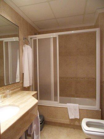 Sensity Hotel Vent de Mar: salle de bain