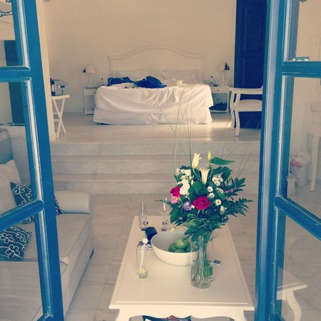 Vedema, a Luxury Collection Resort, Santorini: Our room