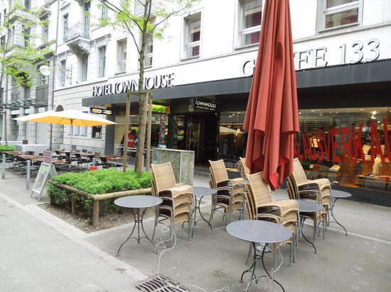 Outside picture of townhouse boutique hotel zurich for Boutique hotel schweiz
