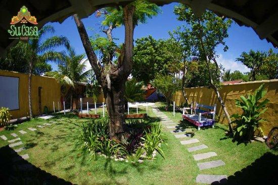 Buzios Beach Surf Hostel : Jardim