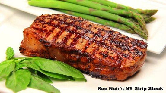 Rue Noir Steakhouse: NY Strip