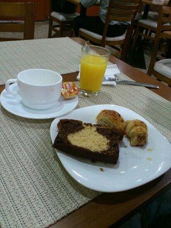 London Class Suites: café da manhã