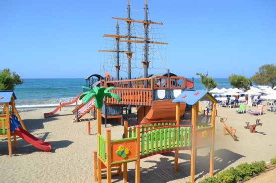 Louis Creta Princess Beach Hotel: Pirate ship on beach, beware, slides are metal