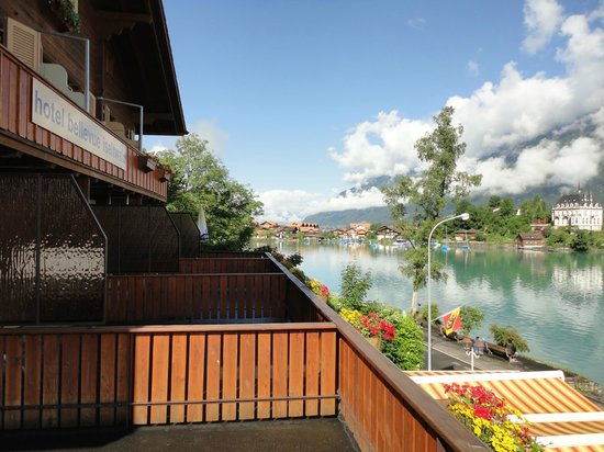 Hotel Bellevue Iseltwald: Hotel und Brienzersee