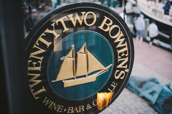 22 Bowen's Wine Bar & Grille: 22 Bowens - AMAZING FOOD!