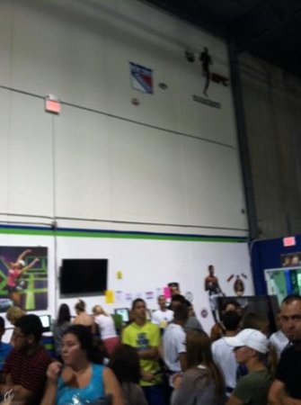 Rebounderz Indoor Trampoline Arena Edison: the line