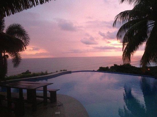 Hotel Vista de Olas: First sunset, June 11th, 2013.
