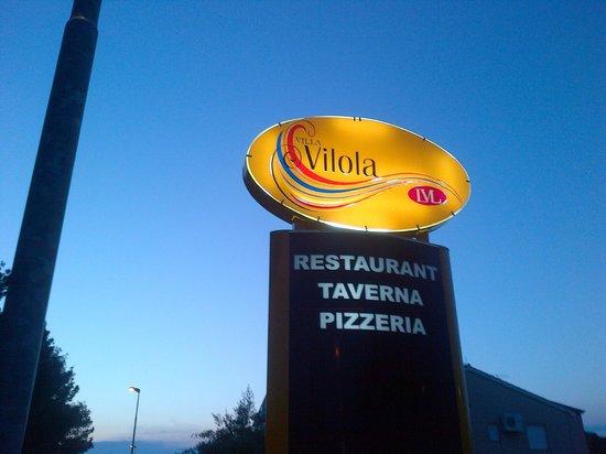 Villa Vilola : Restaurant