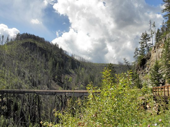 Myra Canyon Park: View back across the valley trestle 4