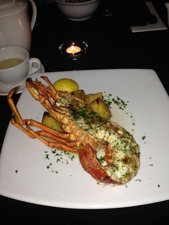 Maxtons Restaurant: the best crayfish ever!!