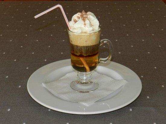 RESTAURANTE GUILLEN: Cafe Irlandes
