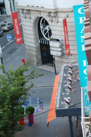 Hotel Silky : Place Regaud from my room