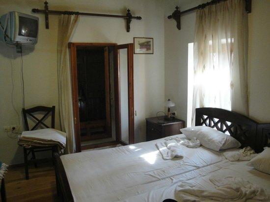 ONTAS Traditional Hotel: Camera