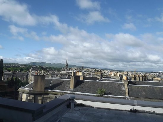 Premier Inn Edinburgh Central (Lauriston Place) Hotel: view from our room