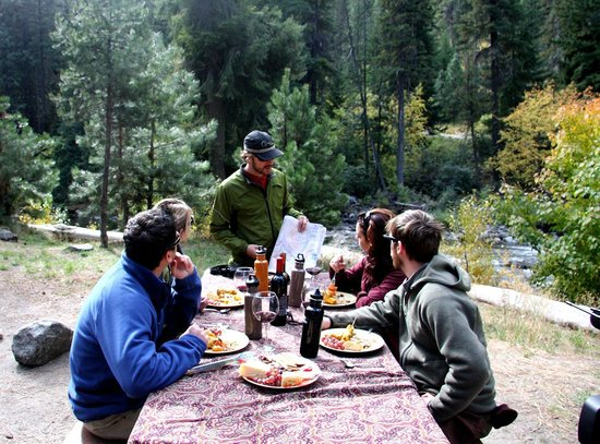 AgriCurean Escapes - Day Tours: Cascadian Safari lunch