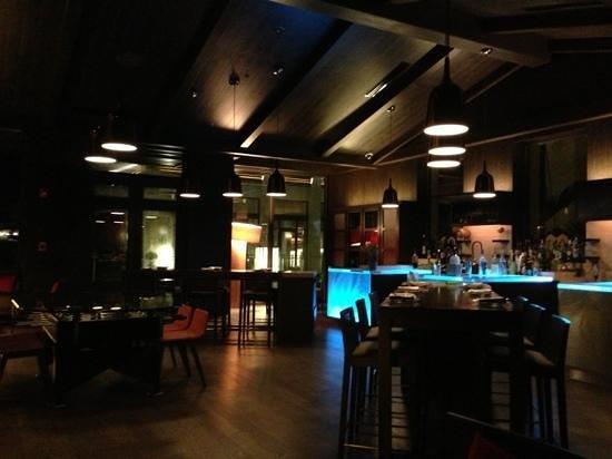 Mi Casa by Jose Andres: cool bar at mi Casa. closes at 11pm