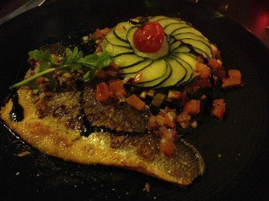ludovic b .restaurant : Grilled Sea-bass Fillet