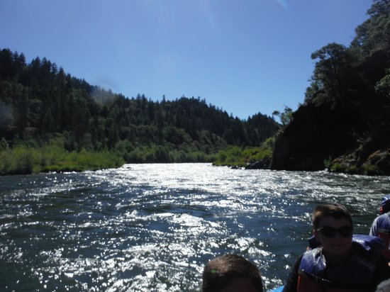 Hellgate Jetboat Excursions : Rogue river on Hellgate boat