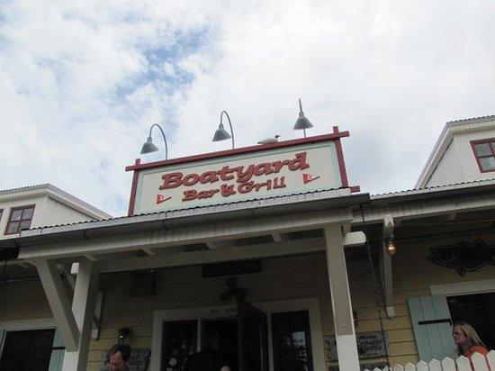 Boatyard Bar & Grill : Outside!