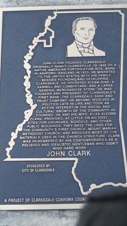 Clark House Resmi