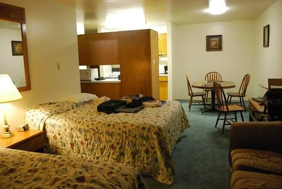 University Motel Suites: Vary large.