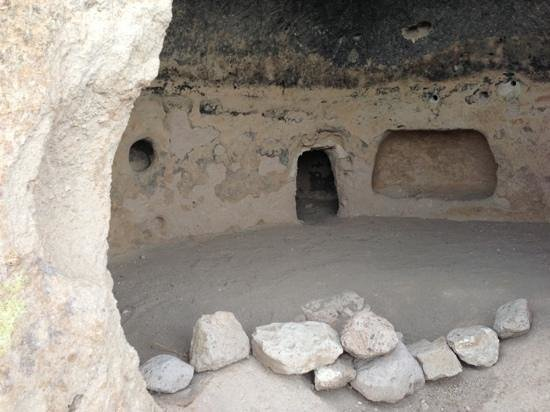 Puye Cliff Dwellings : one of the cliff dwellings