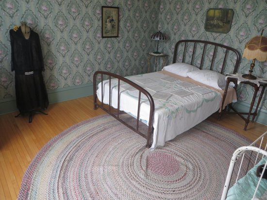 Judy Garland Museum: Judy's bedroom
