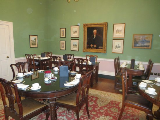 The Royal Park - A Roseate House Hotel: The breakfast room