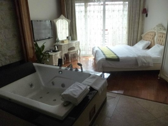 Bamboo House Resort: The rooms come in various arragements
