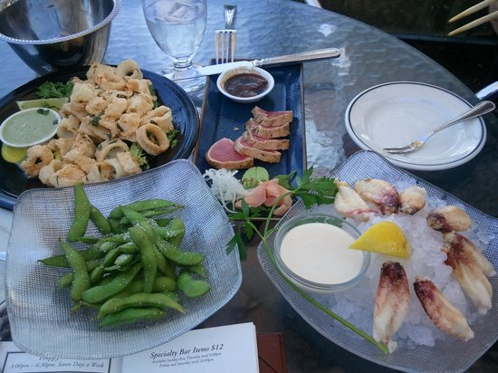 Chandler's Crabhouse: Calamari, seared tuna, edaname & chilled crab legs